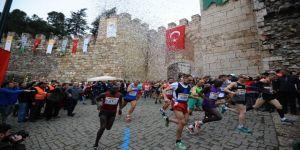 Tarihi Maratona Kenyalı Damgası