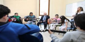 Başkan Çolakbayrakdar, Sanatsever Çocuklarla Birlikte