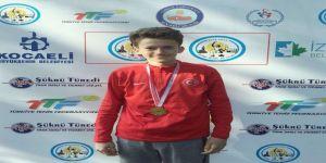 İşitme Engelli Sporcu Başarıya Doymuyor