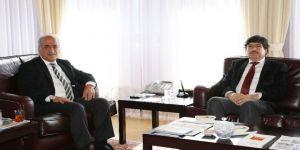 Bitlis Eren Üniversitesi Rektöründen, Prof. Dr. Çomaklı'ya Ziyaret