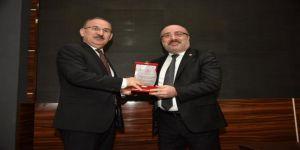 Kayü Rektörü Karamustafa, Kastamonu'da Turizm Konferansı Verdi
