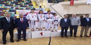 Yunusemreli Judoculardan 2 Altın 3 Bronz Madalya