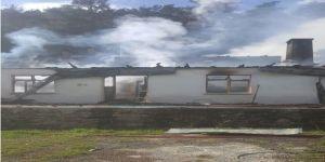 2 ev tamamen yandı