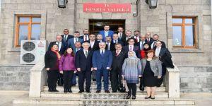Yeni Başkan Ve Meclisten Vali Seymenoğlu Ziyareti