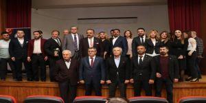 Toros Üniversitesi'nde Bilişim Ve Gençlik Zirvesi Yapıldı