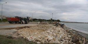 Erdemli Belediyesi, Sahili Yaz Sezonuna Hazırladı