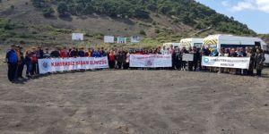 Sağlıklı Yaşam İçin Sandal Divlit'e Tırmandılar