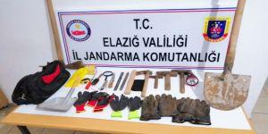"""Koruma Altındaki """"Ejderha Taşı""""nı Kazan 3 Şüpheli Yakalandı"""