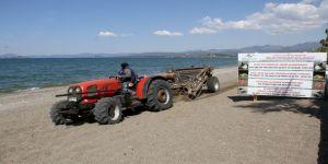Çalış Plajı Caretta Carettalar İçin Temizleniyor