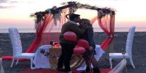Çılgın Aşıktan Sürpriz Evlenme Teklifi