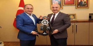 İşadamı Demir, Darıca Belediye Başkanı Bıyık'ı Ziyaret Etti