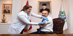 Edirne Valisi Canalp Aşı Oldu