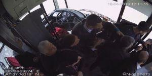 Minibüs Şoförü İle Yolcu Arasındaki Kavga Kamerada