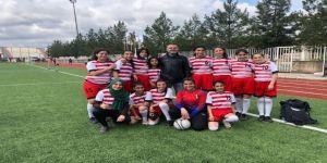 Diyarbakırlı Kız Futbolcular Türkiye Finallerine Gidiyor