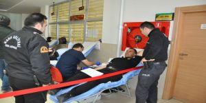 Kars Adliyesi Çalışanlarından Kızılay'a Anlamlı Kan Bağışı