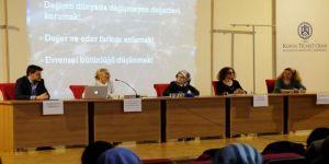 Kto Karatay'da 'Ebeler Haftası' İle İlgili Panel Düzenlendi
