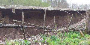 Heyelan Soncu Yollar Göçtü, Bahçeler Zarar Gördü
