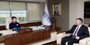 Başkan Büyükakın, Makamını 6. Sınıf Öğrencisi Aktaş'a Bıraktı