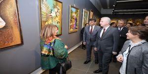 'Hanım Eller' resim sergisi ŞSM'de açıldı