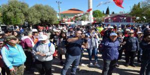 Didim'de Kutsal Yol Yürüyüşünde Doğa Severler Bir Araya Geldi
