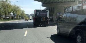 İstanbul'da 8 Patenli Gencin Tehlikeli Yolculuğu Kamerada