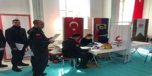 Jandarmadan Kuruluşunun 180'inci Yıldönümünde Kızılay'a Anlamlı Bağış