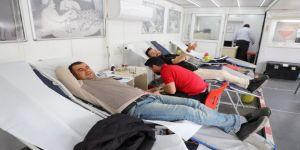 Kan bağış kampanyasına yoğun ilgi