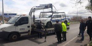 Polis otosu kaza yaptı: 2'i polis 3 yaralı