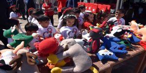 Dezavantajlı bölgedeki çocuklara 23 Nisan şenliği