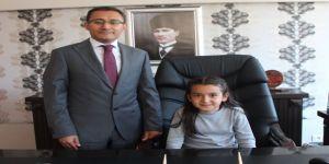 Manisa'da İlçe Protokolü Koltuklarını Çocuklara Devretti