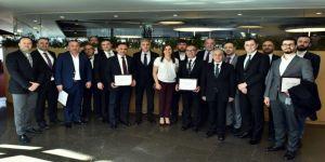 'Üçüncü Göz'ün İlk Hizmet Şampiyonları Törenle Ödüllerini Aldı