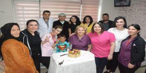 23 Nisan'ı doktoruyla kutladı