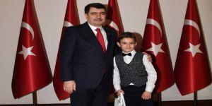 Vali Şahin, Çocukları Makamında Kabul Etti