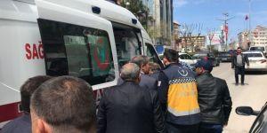 Meclis üyesine otomobil çarptı