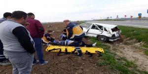 Kontrolden çıkan otomobil şarampole yuvarlandı