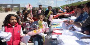 Huzurun Sağlandığı Diyarbakır'da Bin Çocuk Hayalini Uçurtmalarla Göklere Bıraktı