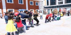 Medical Park Gaziantep Hastanesinde Geleneksel Sokak Oyunları Şenliği