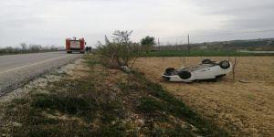 Takla Atan Otomobilden Yaralı Çıktılar