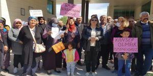 Kanser Hastalarından Mahalleye Kurulan Baz İstasyonuna Tepki