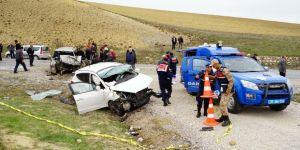 Seyir Halinde Nişanlısıyla Tartışan Sürücü, Felakete Yol Açtı: 2 Ölü