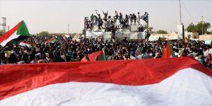 Sudan Askeri Geçiş Konseyi'nin 3 üyesi istifa etti