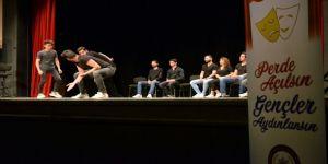Tem Polisi 540 Öğrenciyi Tiyatroyla Buluşturdu