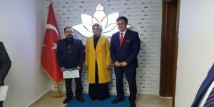 Fatih İpek 'Erbap Öğretmen' Seçildi
