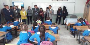 """Alaşehir'de """"Kardeş Okul"""" Projesine Kaymakam Uçgun'dan Destek"""