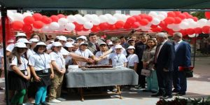 Tübitak 4006 Bilim Fuarı Kırkağaç'ta Törenle Açıldı