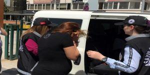 Otobüs Duraklarında Vatandaşları Soyan Şüpheliler Yakalandı