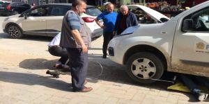 Motora Sıkışan Yavru Kediyi Ptt Çalışanları Kurtardı