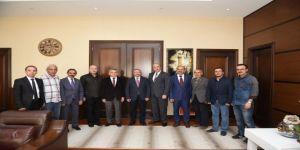 Gazeteciler Cemiyet'ten Aşgın'a 'hayırlı olsun' ziyareti