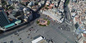 Taksim Meydanı'na Sendikaların Çelenk Bırakması Havadan Görüntülendi