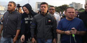 Lopez, İspanya Büyükelçiliğine sığındı